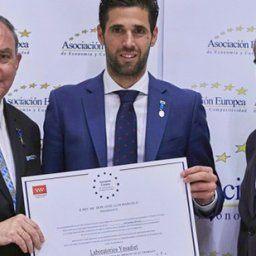 Laboratorios Ynsadiet recibe la Medalla Europea al Mérito en el Trabajo.